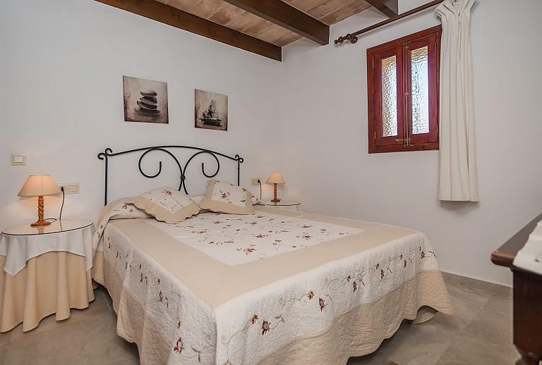 Große Finca Bei Pollenca Auf Mallorca Für Personen - Klimagerat fur schlafzimmer