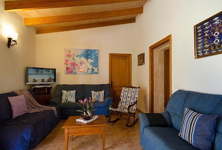 ferienhaus mit tischtennisplatte bei alcudia f r 5 personen. Black Bedroom Furniture Sets. Home Design Ideas