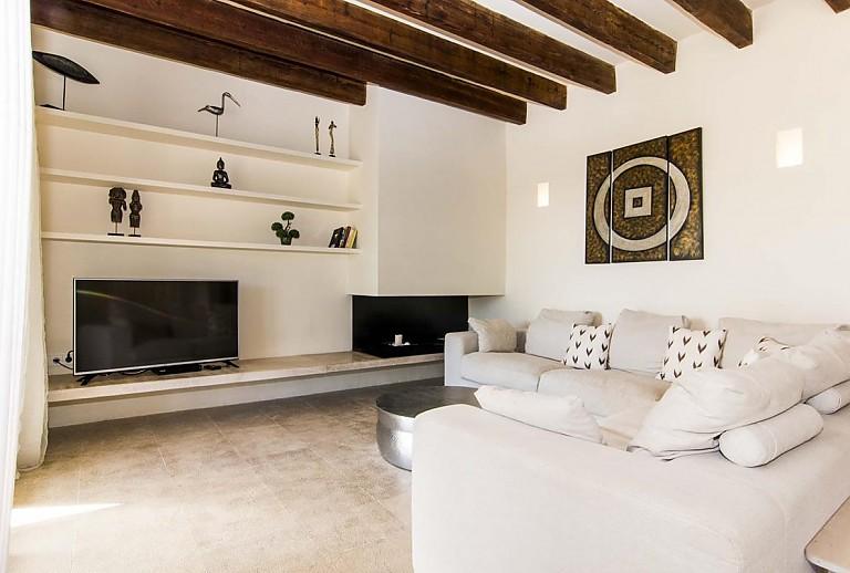 tolle finca bei capdepera f r 10 personen mit klimaanlage. Black Bedroom Furniture Sets. Home Design Ideas