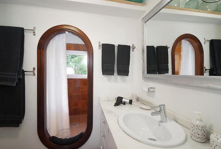exklusive finca mallorca am rande von pollenca f r 9 g ste. Black Bedroom Furniture Sets. Home Design Ideas