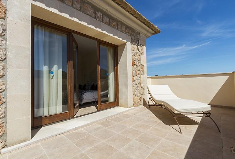 luxusfinca auf mallorca in bonaire bei alcudia. Black Bedroom Furniture Sets. Home Design Ideas