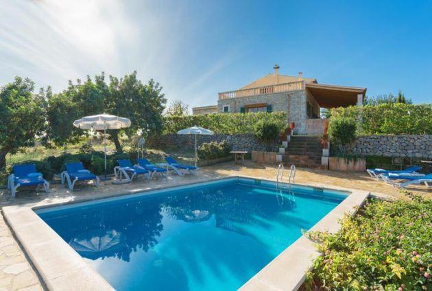 Finca Mallorca bei Binibona für 8 Personen und Sommerküche