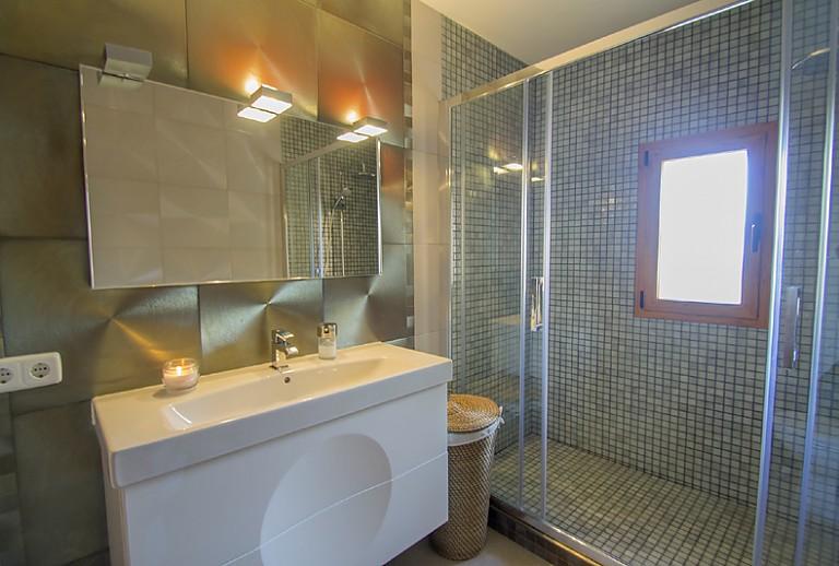 finca f r 6 personen bei lloret im zentrum mallorcas. Black Bedroom Furniture Sets. Home Design Ideas