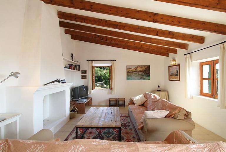83 wohnzimmer fernseher vor fenster tv blu ray. Black Bedroom Furniture Sets. Home Design Ideas